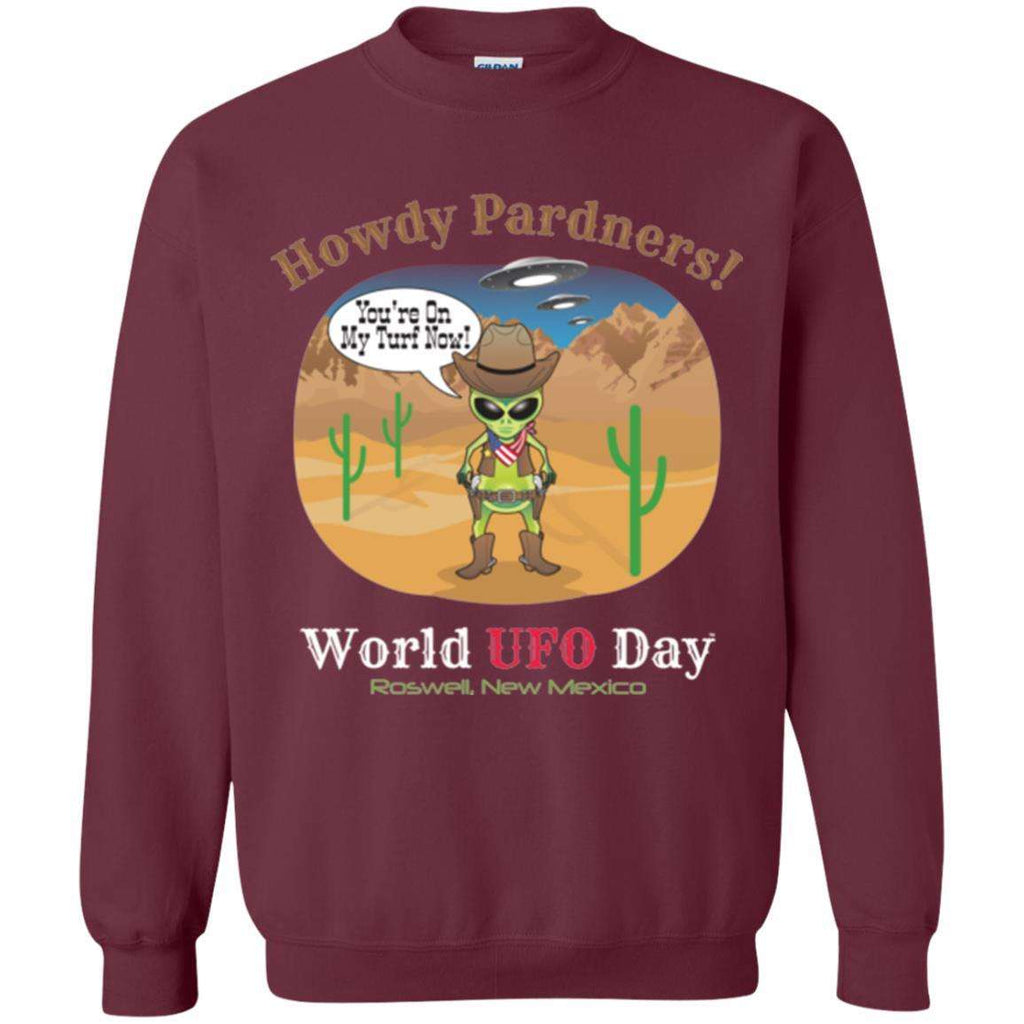 Howdy Pardners! World UFO Day Alien Cowboy Men's Crewneck Pullover Sweatshirt