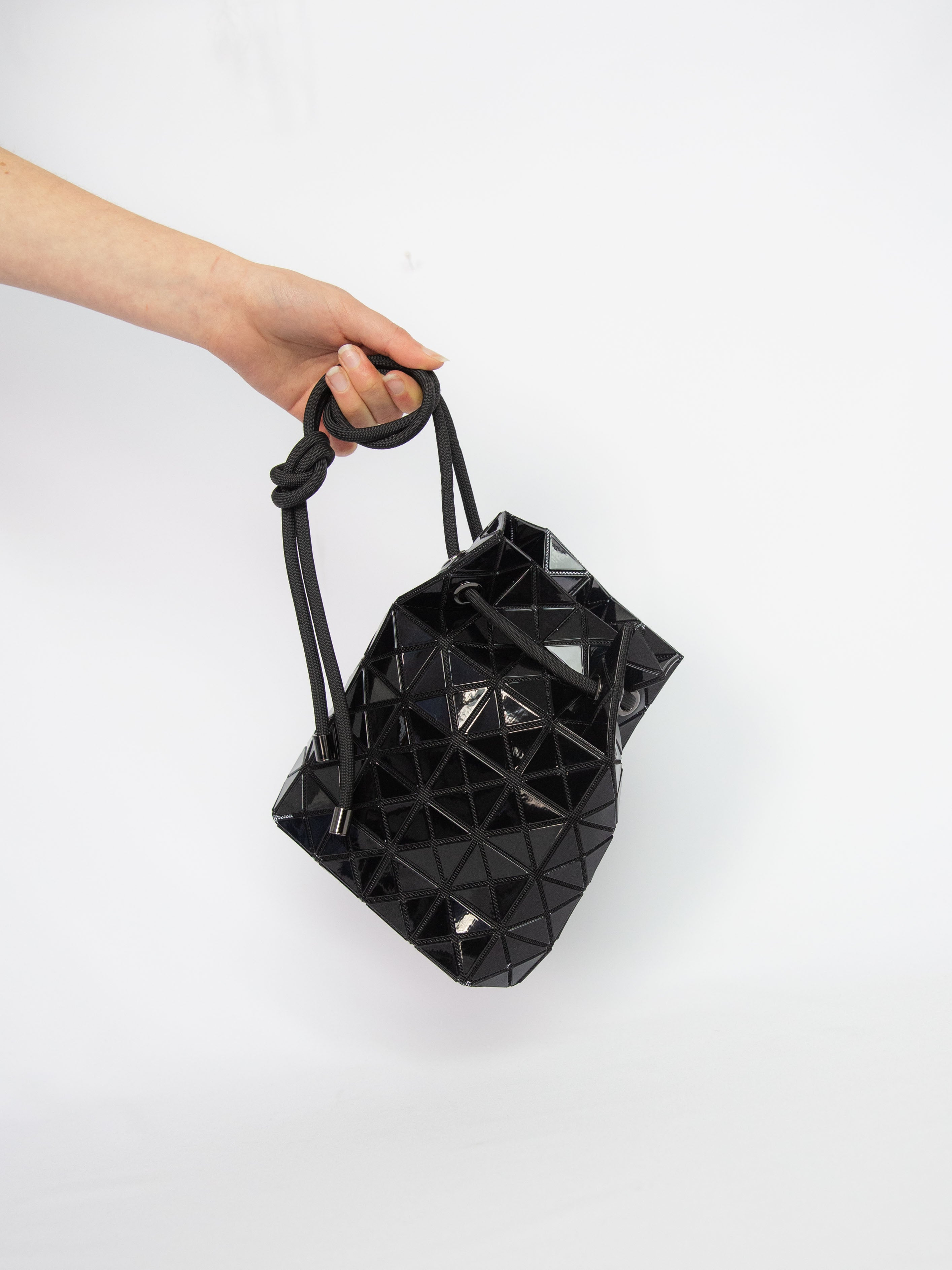 Wring Shoulder Bag - Black