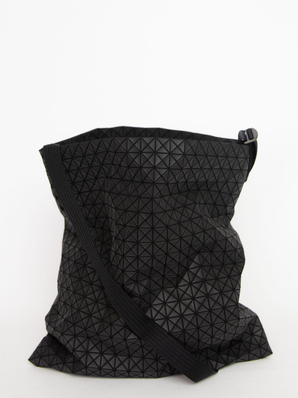 Kuro Crunchy Shoulder Bag - Matte Black