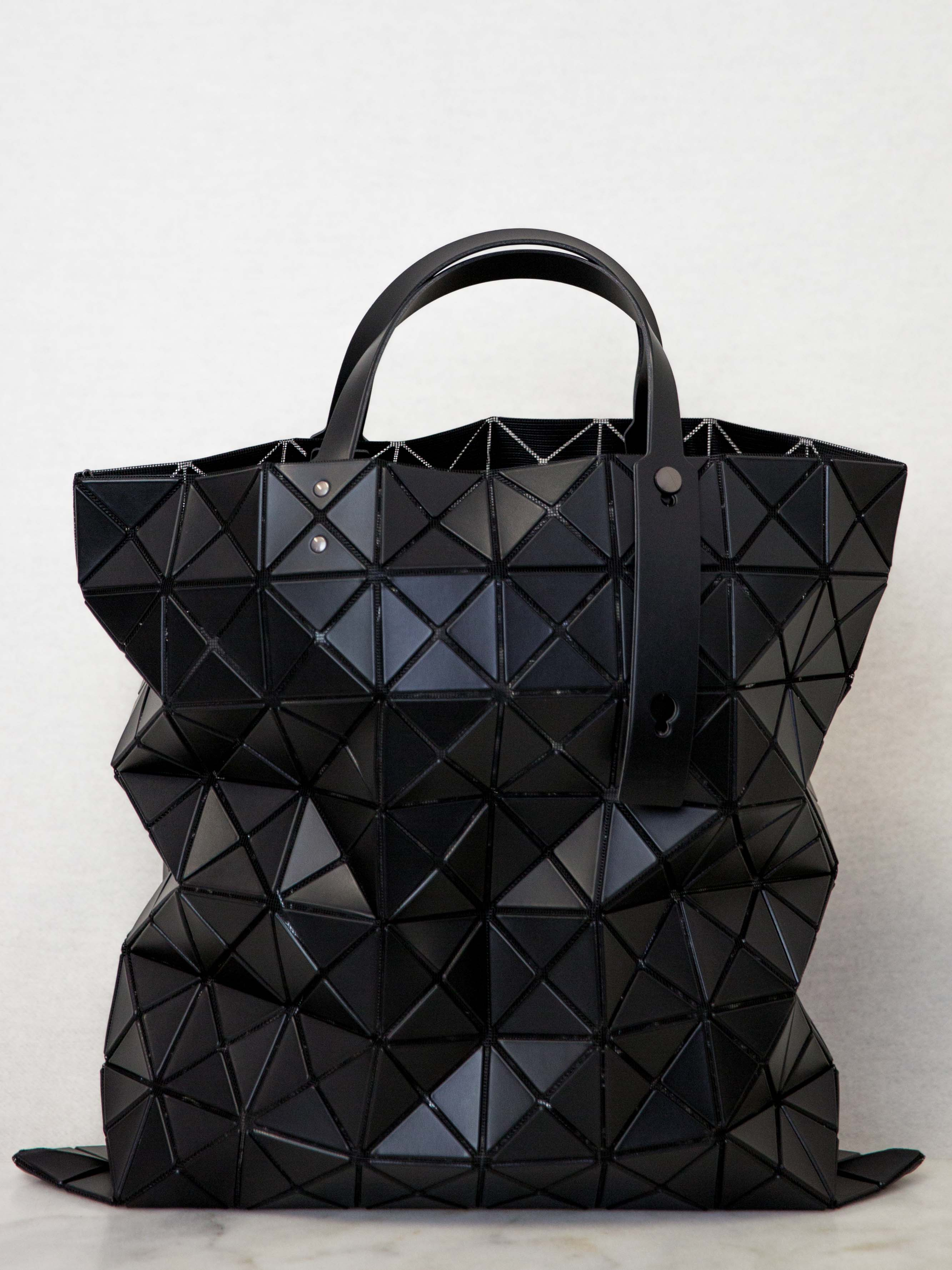 4e5e6c31a7 BAO BAO ISSEY MIYAKE Lucent Matte Oversized Tote Bag - Black – Shifting  Worlds