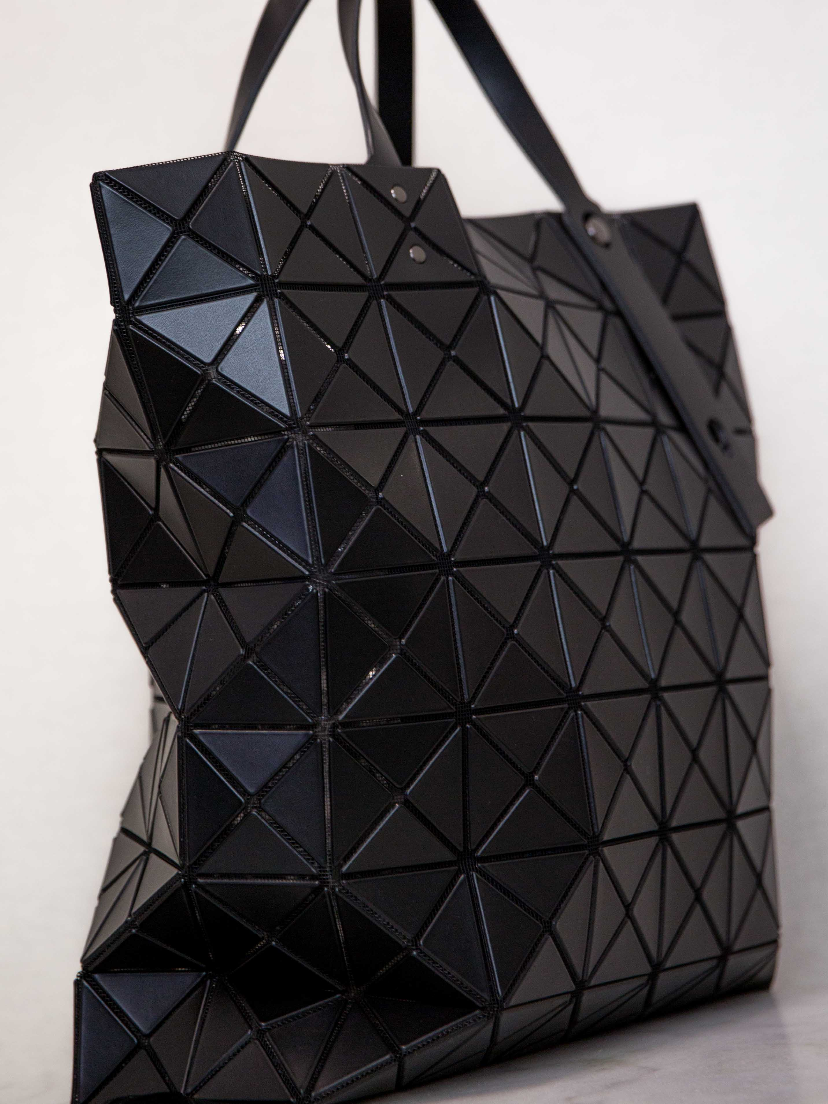 ... BAO BAO ISSEY MIYAKE Lucent Matte Oversized Tote Bag - Black ... 7eee5498e9b1d