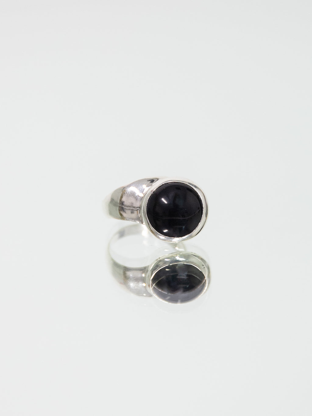 FARIS OFFSET Ring - Sterling Silver & Onyx