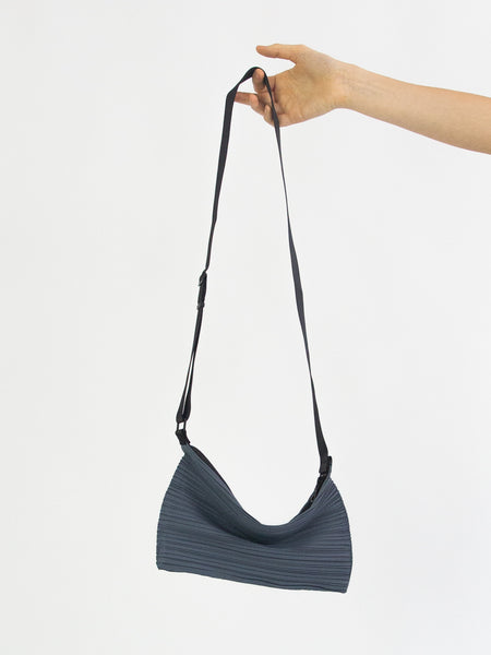 PLEATS PLEASE ISSEY MIYAKE Bouncy Pleats Bag - Old Blue