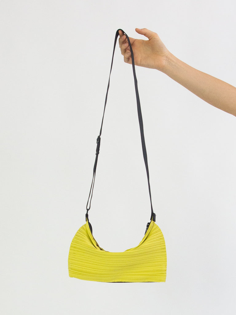 Bouncy Pleats Bag - Cannary Yellow