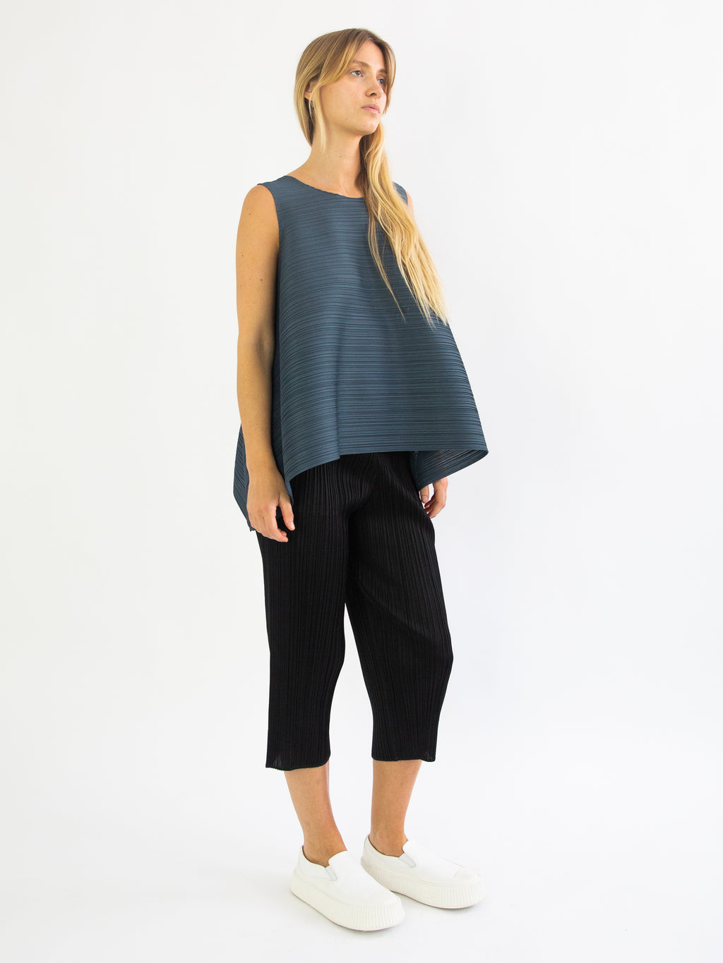 Squared Sleeveless Top - Old Blue