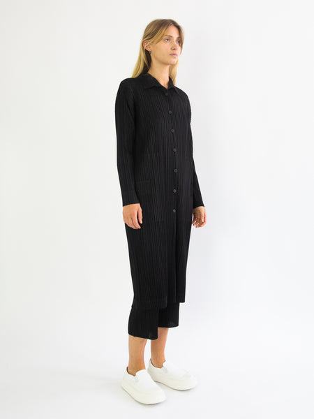 PLEATS PLEASE ISSEY MIYAKE Monthly Colours February Long Jacket - Black