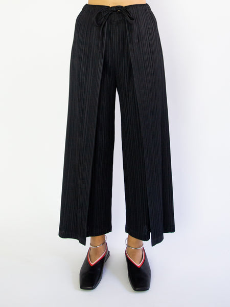 PLEATS PLEASE ISSEY MIYAKE Thicker Bottoms 1 Tie Front Pant - Black