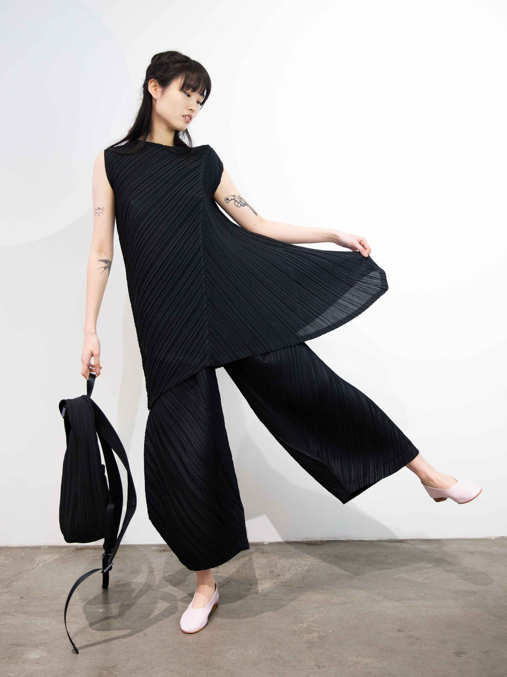 Crispy Pleats Tunic - Black