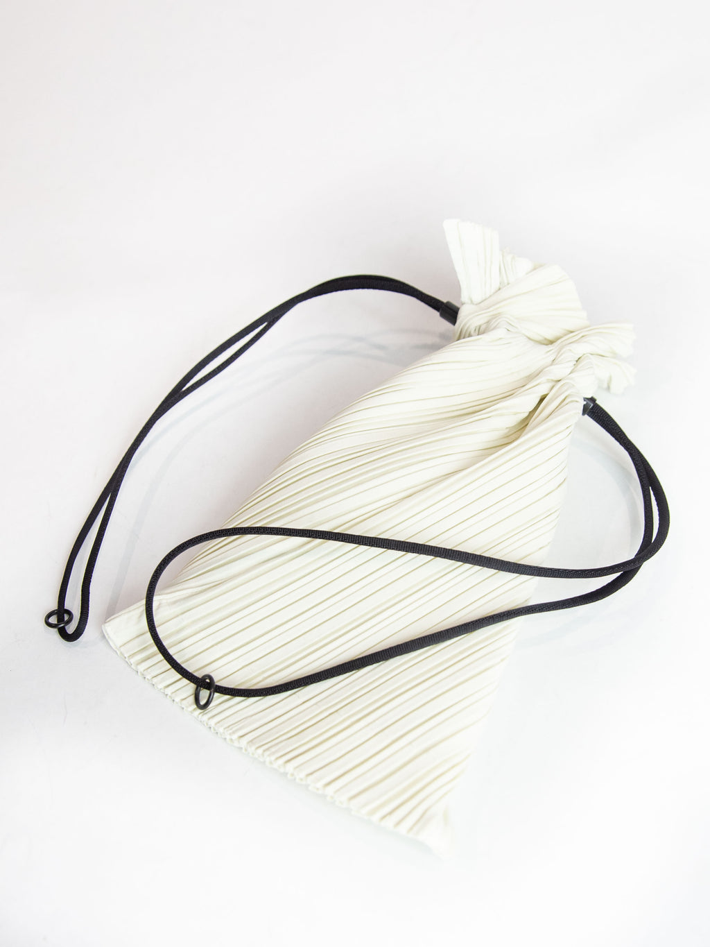 Small Drawstring Pleats Bag - Off White