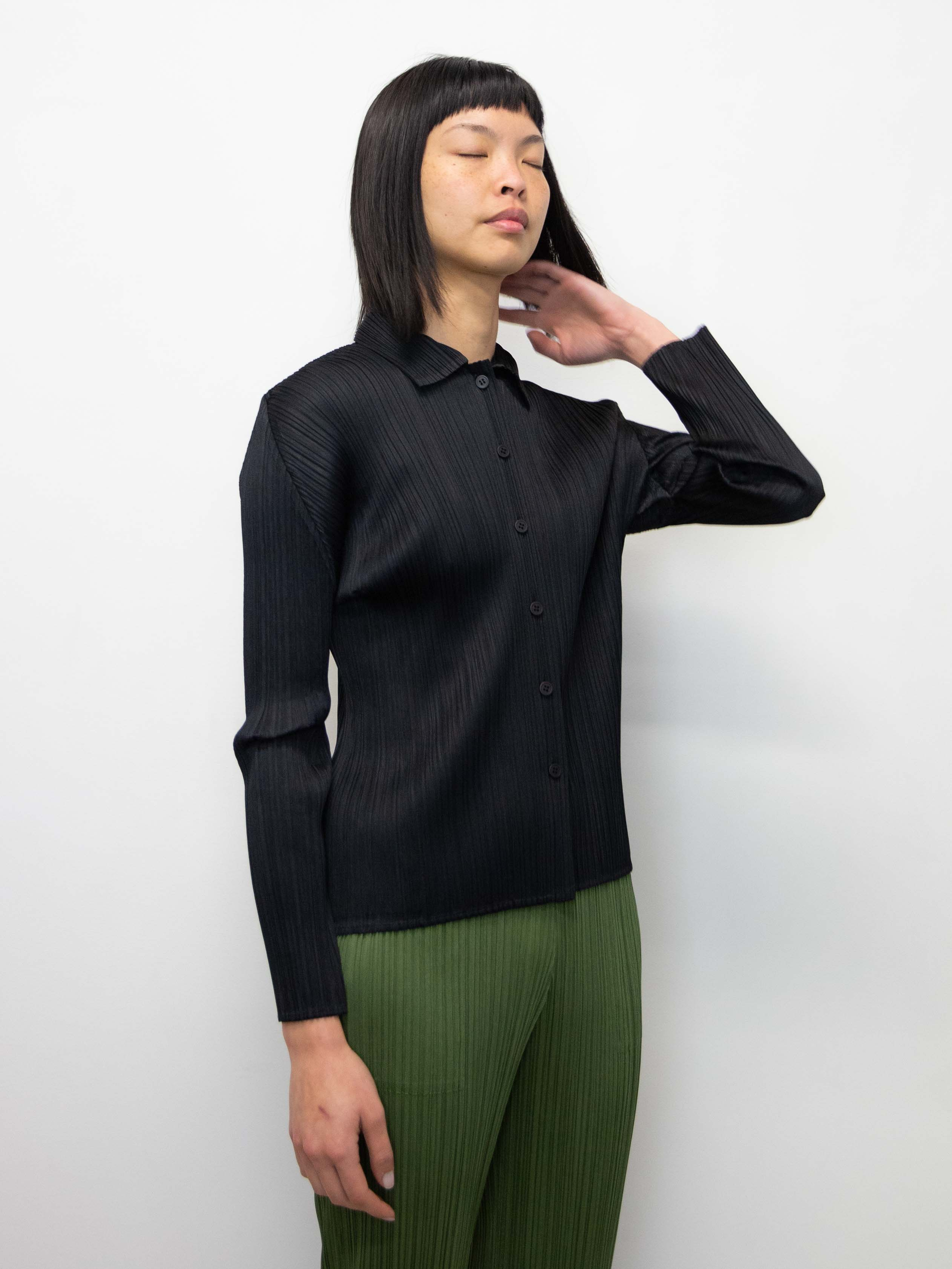 PLEATS PLEASE ISSEY MIYAKE Basics Shirt - Black