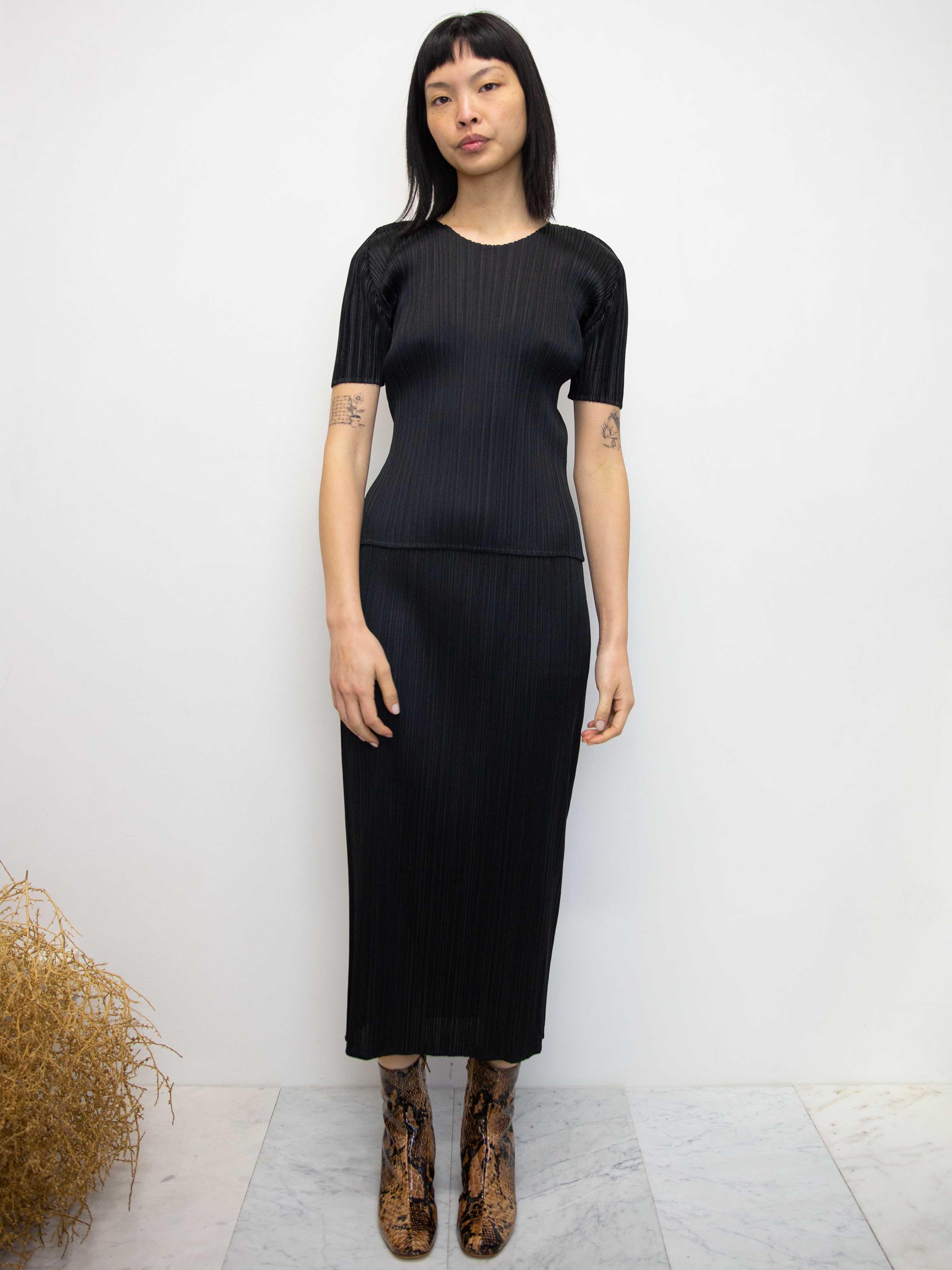 PLEATS PLEASE ISSEY MIYAKE Basics Skirt - Black