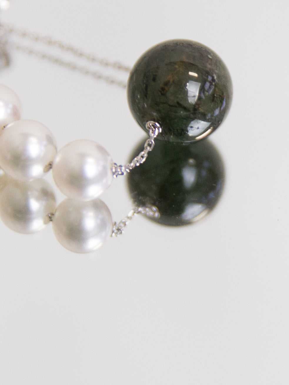 SPHERE Single Winter Earring with Green Rutilated Quartz - White Gold