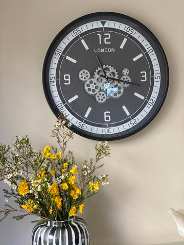 London Classic 59.5 Cm Moving Gear Wall Clock