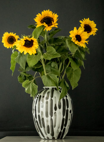 Black and white vase (Big sale till end of Feb)