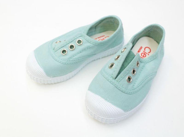 Cienta Girl's 70997 Mint Canvas Laceless Sneaker