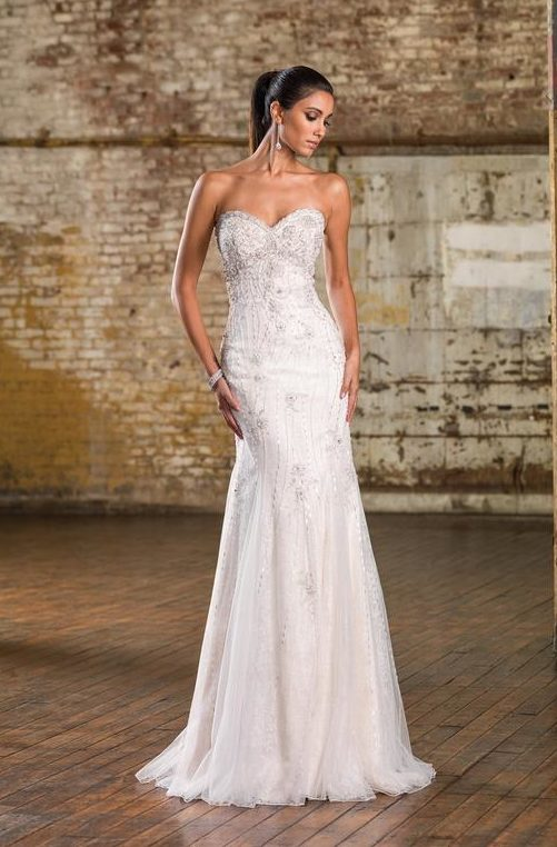 ba7675c2fc7 Best 21 Wedding Dresses And Jumpsuits Ideas For A Vegas Wedding ...