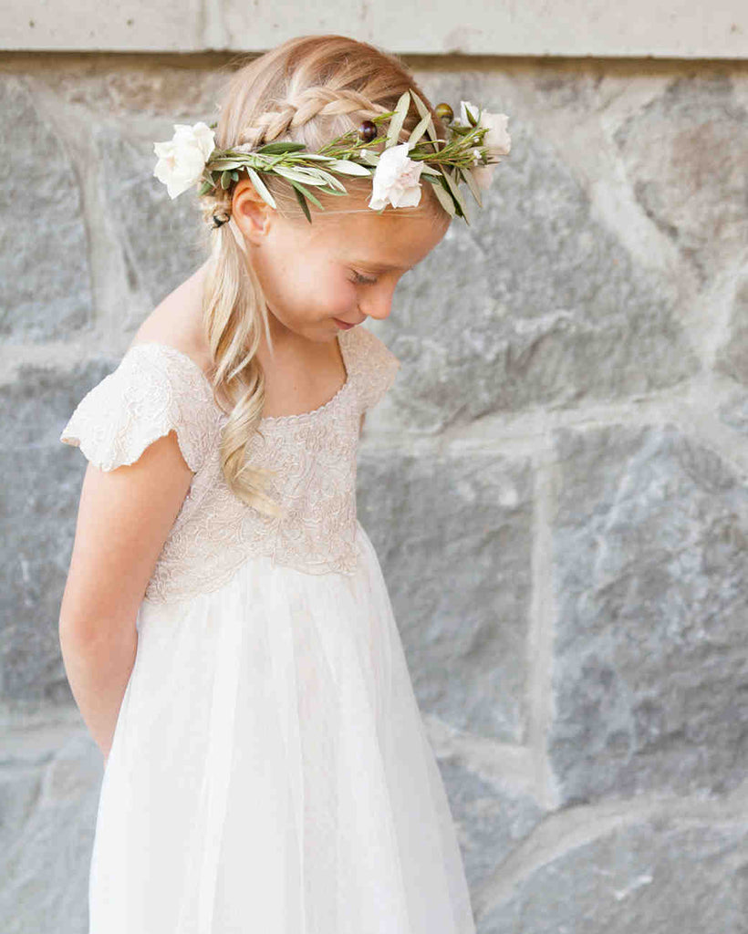 flower girl with ponytail
