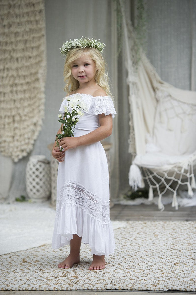 6f7fb7978 19 Bohemian Flower Girls Dresses Perfect for Summer Beach Wedding ...