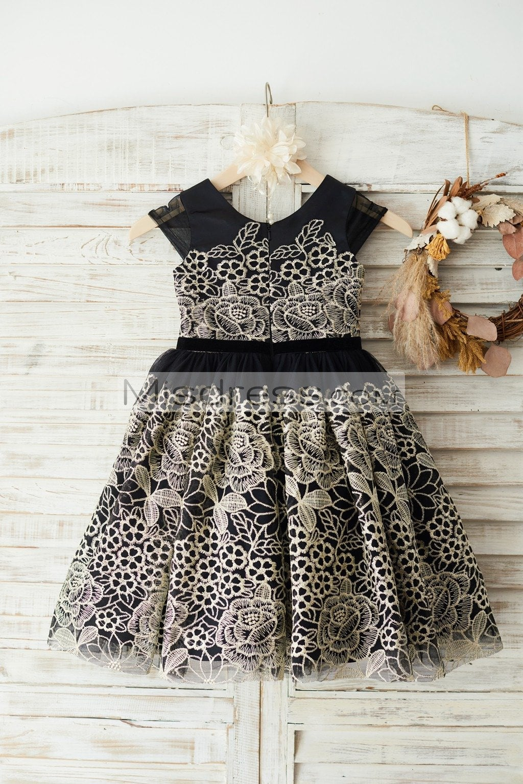 Cap Sleeves Gold Lace Black Tulle Wedding Party Flower Girl Dress