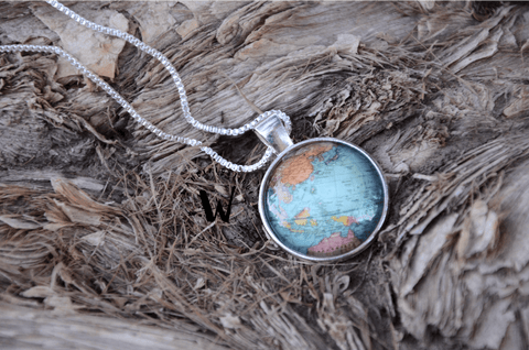 Premium Glass Globe Necklace with Box Chain (FREE WORLDWIDE SHIPPING)