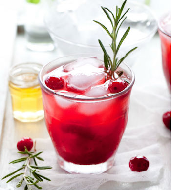 gin cocktail cranberry and thyme