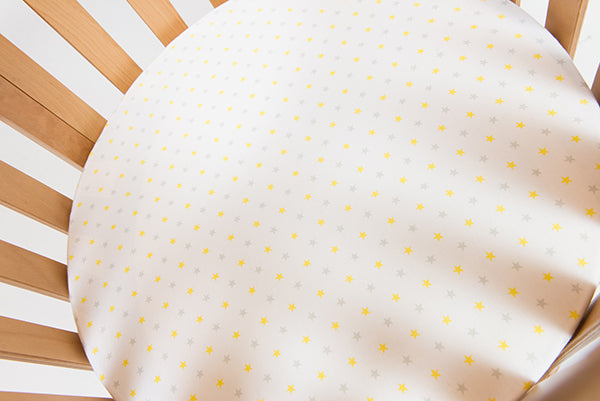 CIRCLE Bassinet Fitted Sheet (JERSEY): YELLOW & GREY STARS
