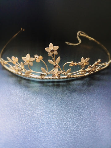 Gold diamanté and flower  detailing tiara (sale)