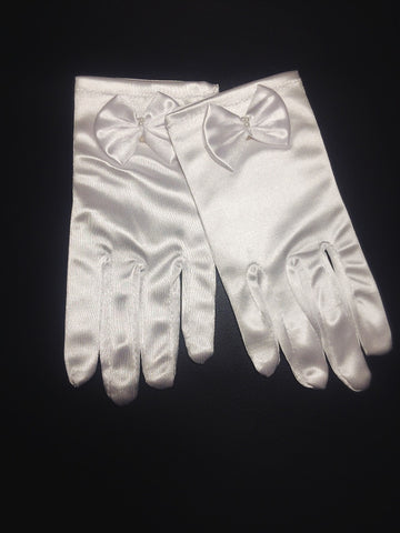 Leah communion glove