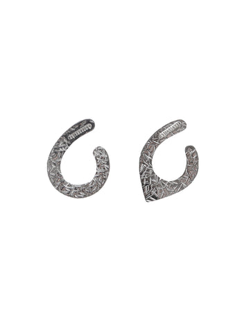 Rhodium-plated Arrow Earcuff