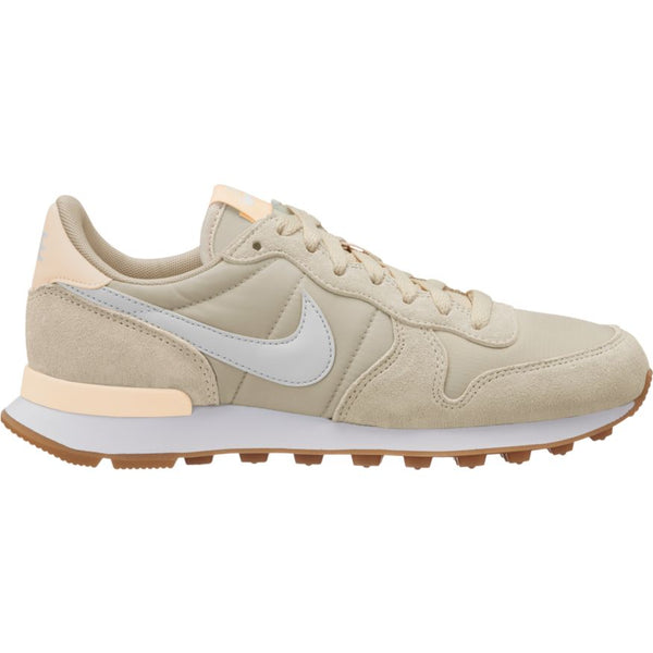Nike WMNS Internationalist - Desert Sand/Summit White