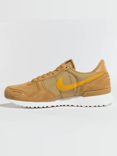 Nike Vortex LTR - Elemental Gold-Mineral Yellow