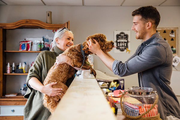 How to Train Your Pet Retail Staff to Engage with Your Customers