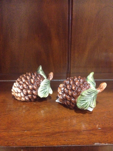 Pine Cone Salt and Pepper Set