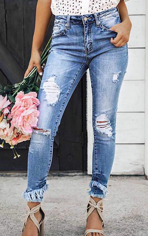 Center Of Attention Frayed Hem Jeans