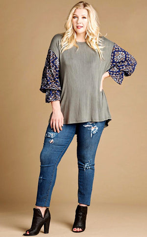 Talk Of The Town Contrast Sleeve Top, CURVY