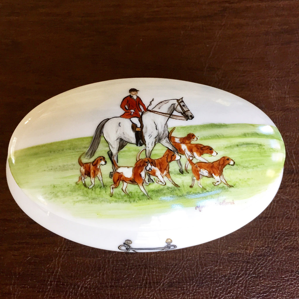 Horse and Hound Hunting Porcelain Box
