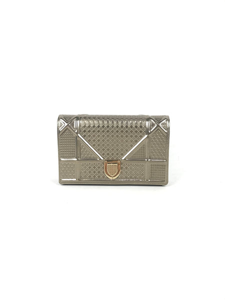 Diorama Metallic Champagne Microcannage Calfskin Wallet On Chain