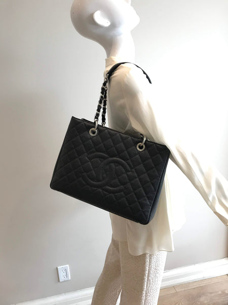 Black Caviar Grand Shopping Tote GST W/SHW