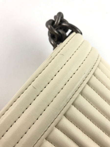 Off-White Lambskin Horizontal-Quilted Old Medium Boy Bag