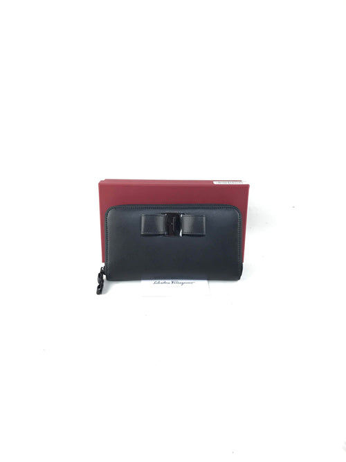Black Smooth Calf Leather Zip Vara Rainbow Wallet W/BHW