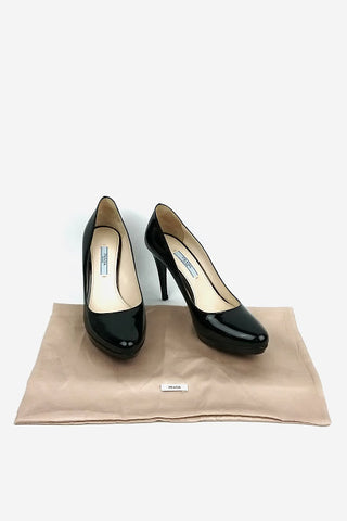 Black Leather Round Toe Pumps w/ Wooden Heel