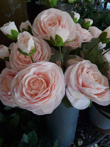 Real Touch Peach Triple Bloom Ranunculus Stem