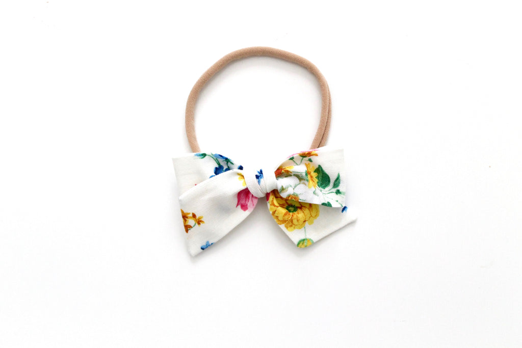 Afternoon Picnic in Ivory - Mini Knot Bow