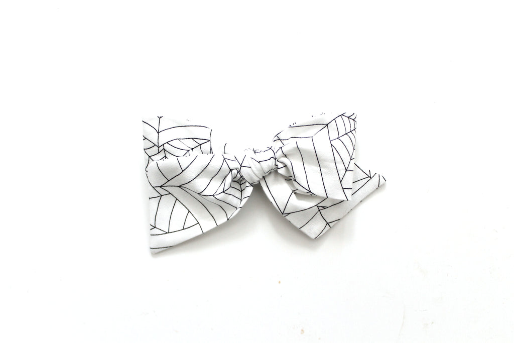 Tangled Web - Oversized Knot Bow
