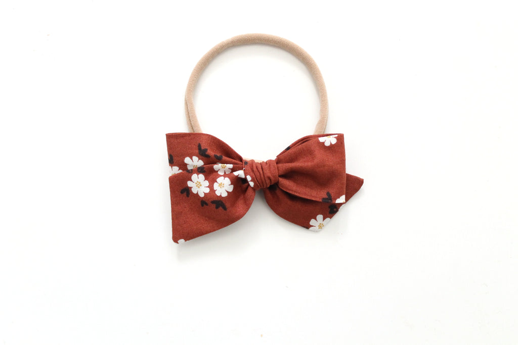 Posies in Brick - Mini Knot Bow