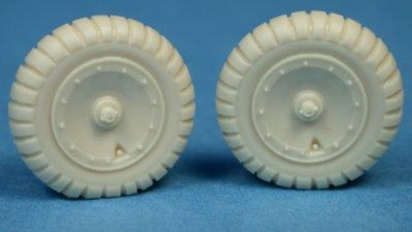 Ultracast 48231 1/48 Focke Wulf Fw190 late style main wheels treaded tyres - BlackMike Models