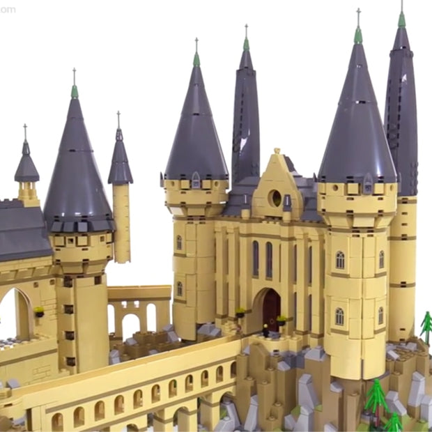 Deluxe Hogwarts Castle- 6742 Pieces - Bunny Buddha