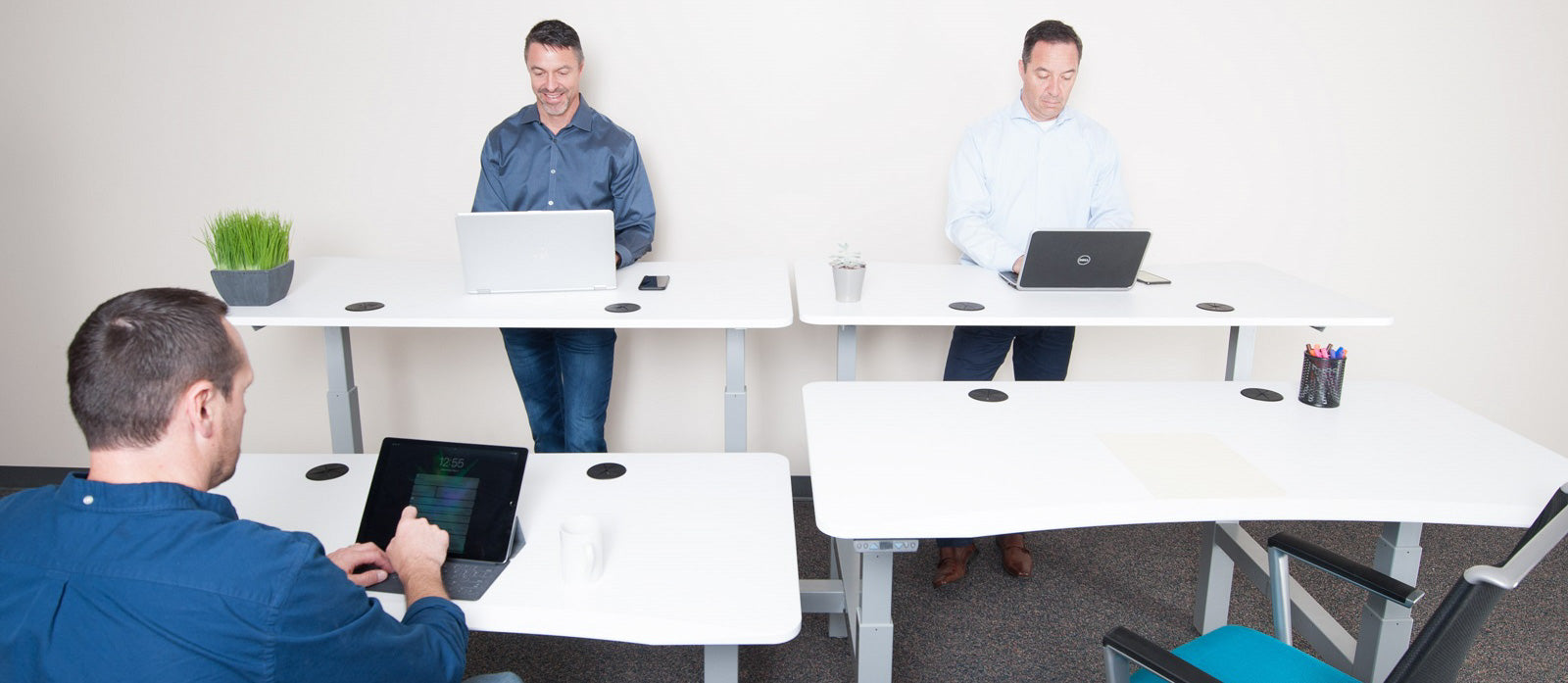 Apple Employees Get Standing Desk as Perk at Apple Park
