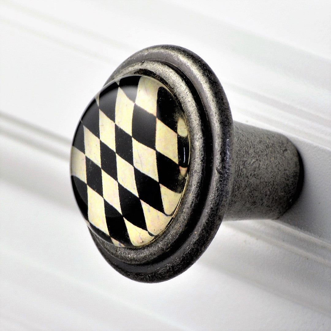 round Burnished Silver Knob – Black and White Harlequin