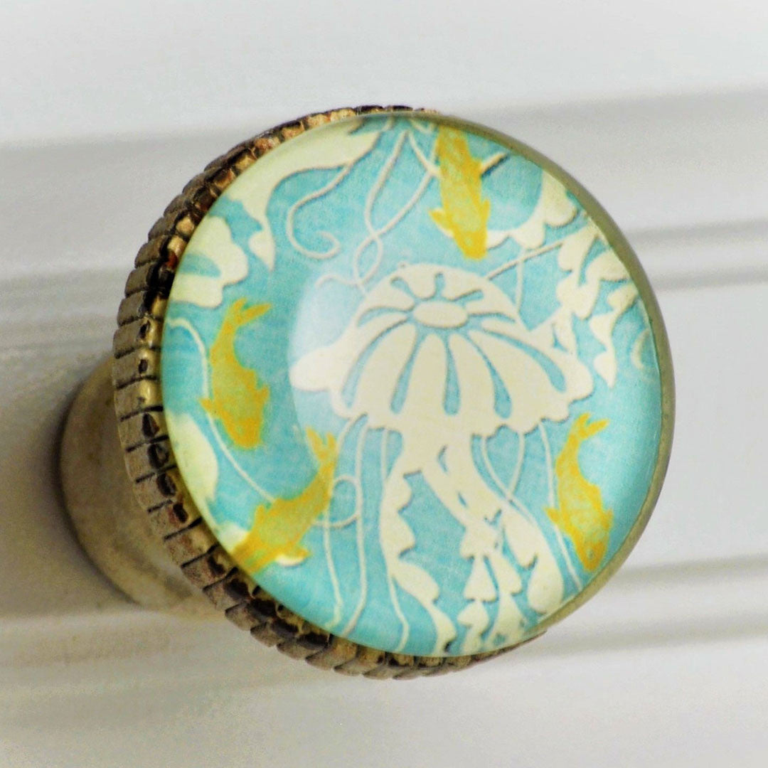 Retro Whitewashed Metal Knob – Jellyfish